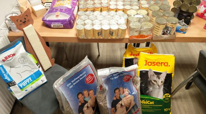 Futterspenden vom Tierschutz-Shop